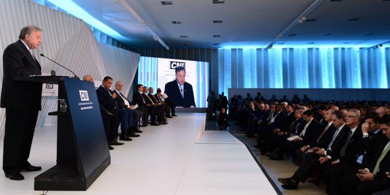 Petry fala na CNI para Bolsonaro